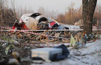 Обломки самолета Ту-154, упавшего в районе Смоленска, 10 апреля 2010 года