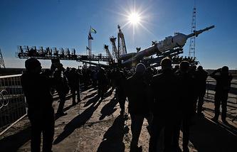 """Ракета-носитель """"Союз"""" на стартовой площадке космодрома Байконур"""