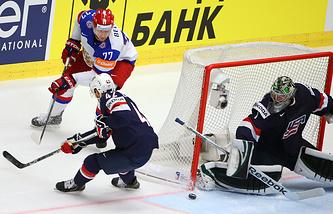 Эпизод из матча между сборными России и США