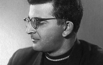 Писатель Аркадий Стругацкий, 1964 год