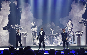 Участники итальянского поп-трио Il Volo Джанлука Джинобле, Иньянцио Боскетто и Пьеро Бароне (слева направо)
