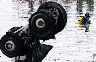 На месте крушения Як-42, 8 сентября 2011 года