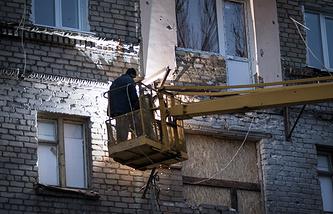 Восстановление фасада жилого дома в Луганске