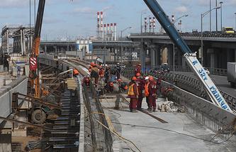 Строительство железнодорожной эстакады над путями Смоленского направления Малого кольца Московской железной дороги