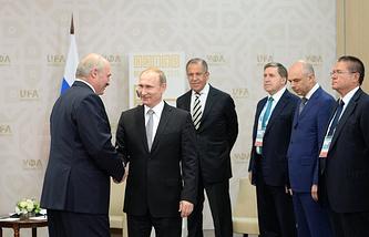 Президент Республики Белоруссия Александр Лукашенко и президент Российской Федерации Владимир Путин