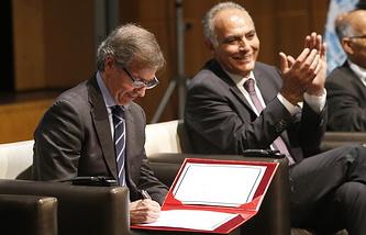 Глава Миссии ООН по поддержке в Ливии Бернардино Леон и глава МИД Марокко Салахеддин Мезуар