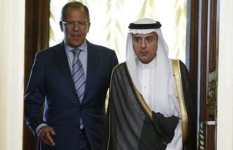 Министр иностранных дел России Сергей Лавров и министр иностранных дел Саудовской Аравии Адель аль-Джубейр