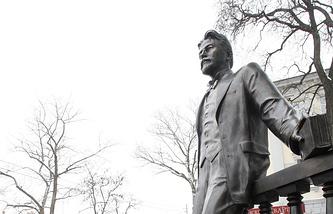 Памятник Антону Чехову