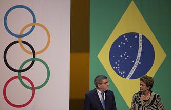 Президент МОК Томас Бах и президент Бразилии Дилма Русеф