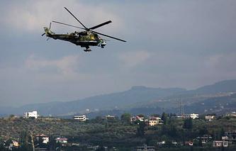 "Российский вертолет на авиабазе ""Хмеймим"" в Сирии"