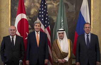 Глава МИД Турции Феридун Синирлиоглу, госсекретарь США Джон Керри, главы МИД Саудовской Аравии Адель Аль-Джубейр и России Сергей Лавров