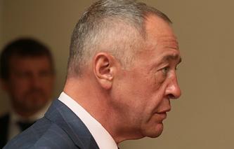 Михаил Лесин перед началом заседания Попечительского совета Русского географического общества, апрель 2014 года