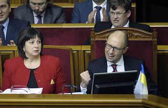 Министр финансов Украины Наталия Яресько и премьер-министр Украины Арсений Яценюк