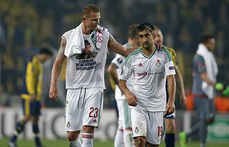 Дмитрий Тарасов (слева)