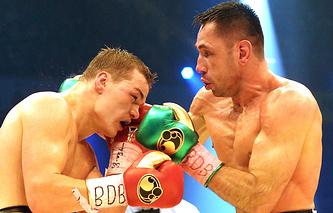 Феликс Штурм (справа) во время боя с Федором Чудиновым