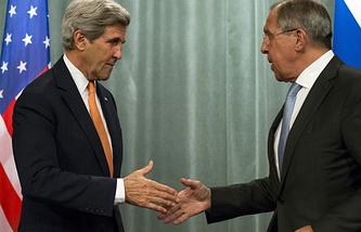 Госсекретарь США Джон Керри и глава МИД РФ Сергей Лавров на пресс-конференции после многмногочасовых переговоров в Москве