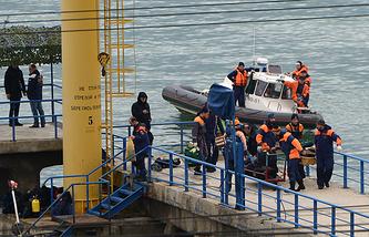 Поисково-спасательные работы на месте крушения самолета ТУ-154 Минобороны РФ