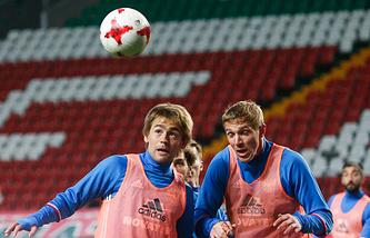 Кирилл Панченко (слева)