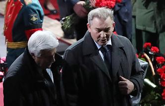 Владислав Третьяк (справа)