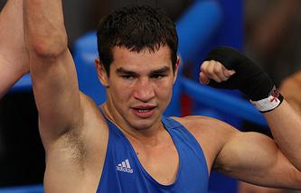 Российский боксер Артем Чеботарев