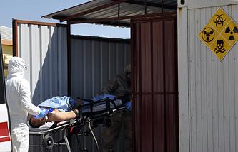 Пострадавший после химической атаки в Идлибе