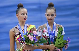 Арина Аверина (слева) и Дина Аверина