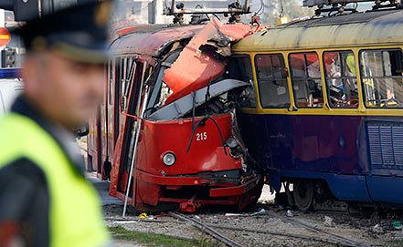 Столкновение трамваев в Сараево. Фото AP Photo/Amel Emric