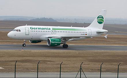Самолет авиакомпании Germania. Фото EPA/UWE ZUCCHI
