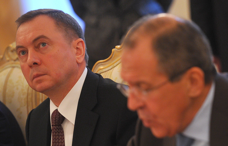 Министр иностранных дел Белоруссии Владимир Макей (слева)