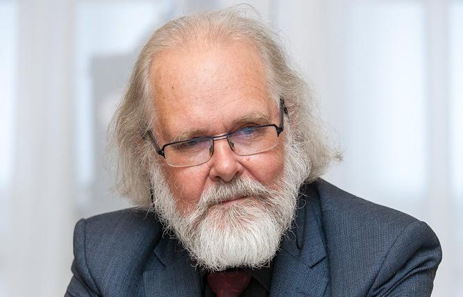 Президент Норвежской Академии наук Нильс Стенсет