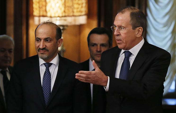Лидер НКОРС Ахмед аль-Джарба и министр иностранных дел РФ Сергей Лавров