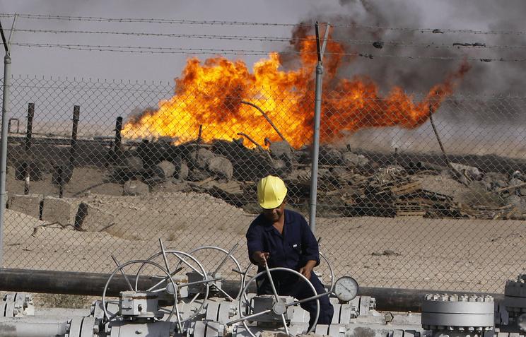 Нефтеперерабатывающий завод недалеко от города Басра, 550 км к юго-востоку от Багдада, Ирак