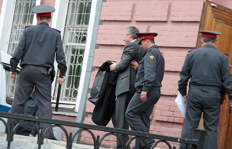 Виктор Контеев после слушания о мере пресечения. Август 2011 года
