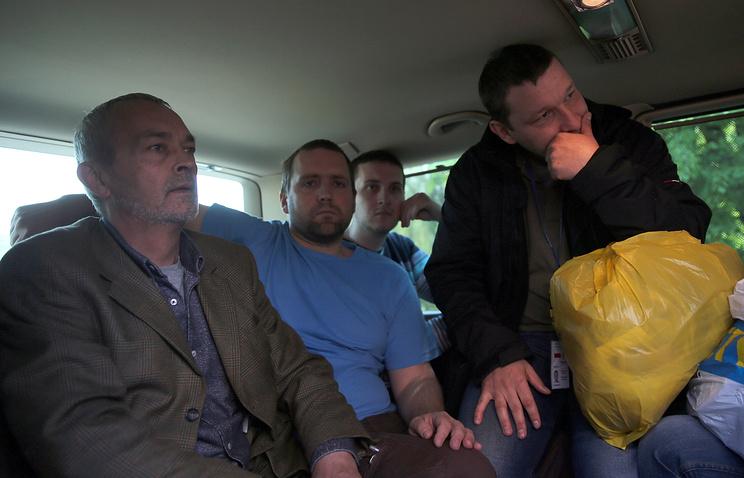 Наблюдатели от ОБСЕ после освобождения
