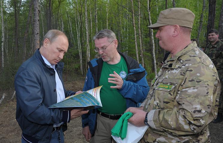 Президент РФ Владимир Путин во время посещения Желундинского заказника