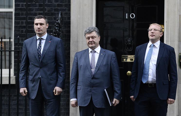 Виталий Кличко, Петр Порошенко и Андрей Шевченко. Лондон, 26 марта 2014 года