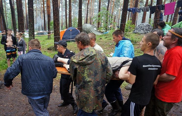 Помощь пострадавшим во время урагана на Ильменском фестивале