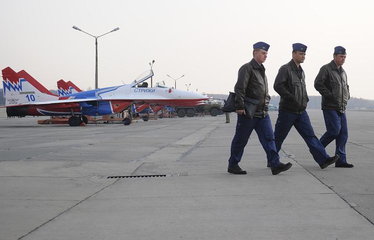"""Истребители МиГ-29 авиационной группы высшего пилотажа """"Стрижи"""""""