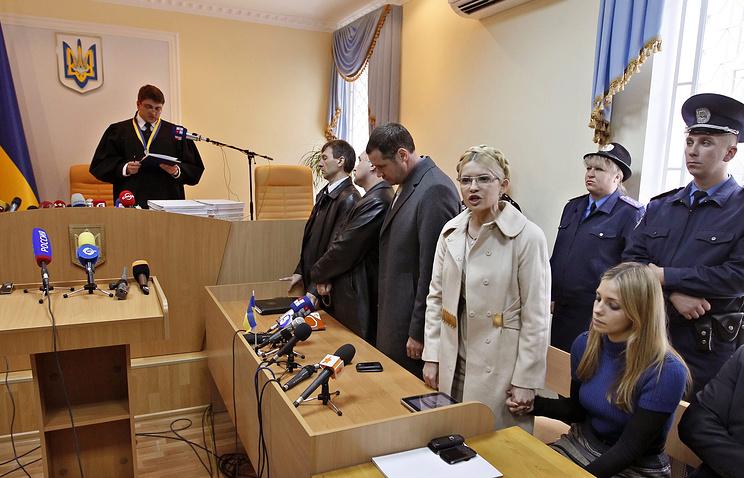Печерский райсуд Киева под председательством Киреева 11 октября 2011 года приговорил Тимошенко к 7 годам лишения свободы