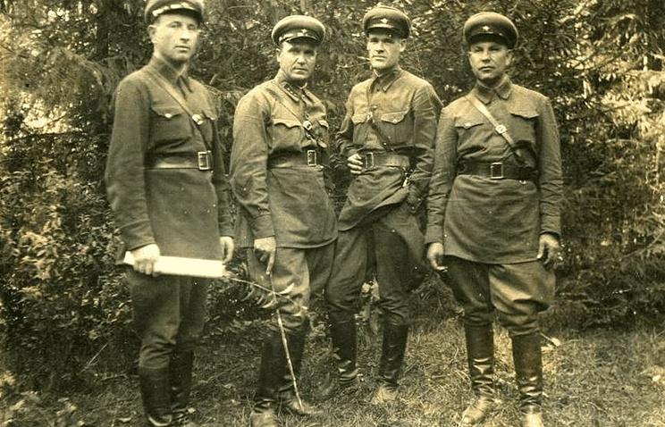 Сотрудники НКВД, 1930-е годы
