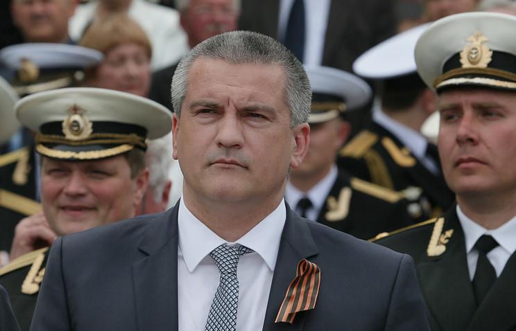 В ходе церемонии военнослужащих поздравил и.о. главы Республики Крым Сергей Аксенов