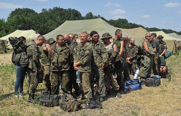 Ростовская область. Украинские военнослужащие в палаточном лагере