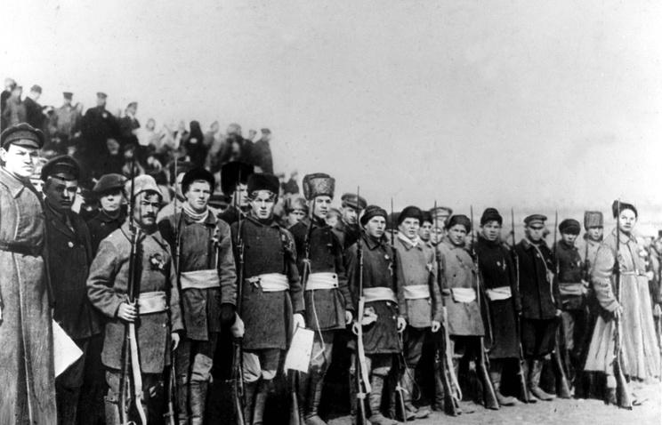 Первая Мировая война. Полк деревенской бедноты перед отправкой на фронт