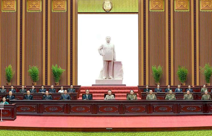 Заседание Верховного народного собрания с участием Ким Чен Ына