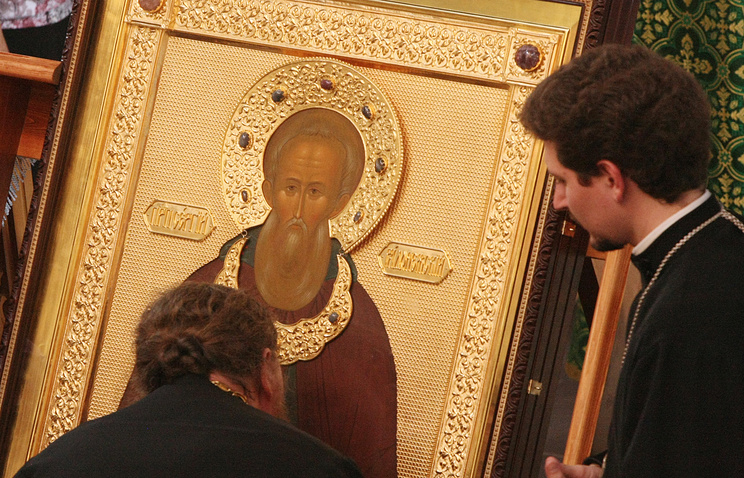 Икона с частицей мощей преподобного Сергия Радонежского. Архив