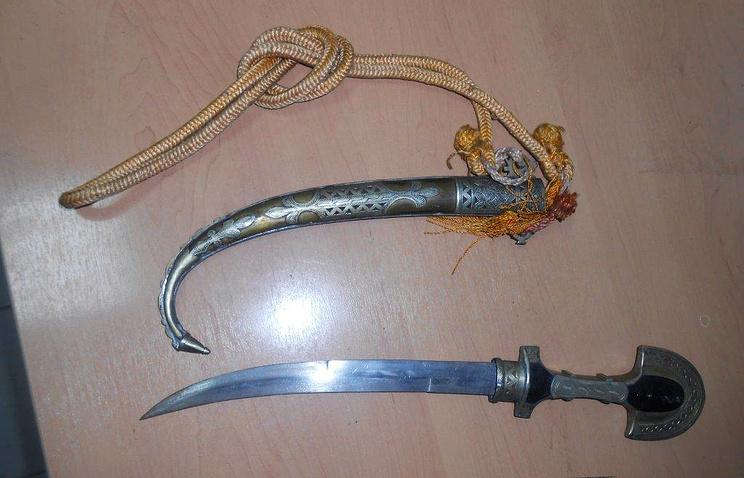Антикварное оружие, изъятое на таможне