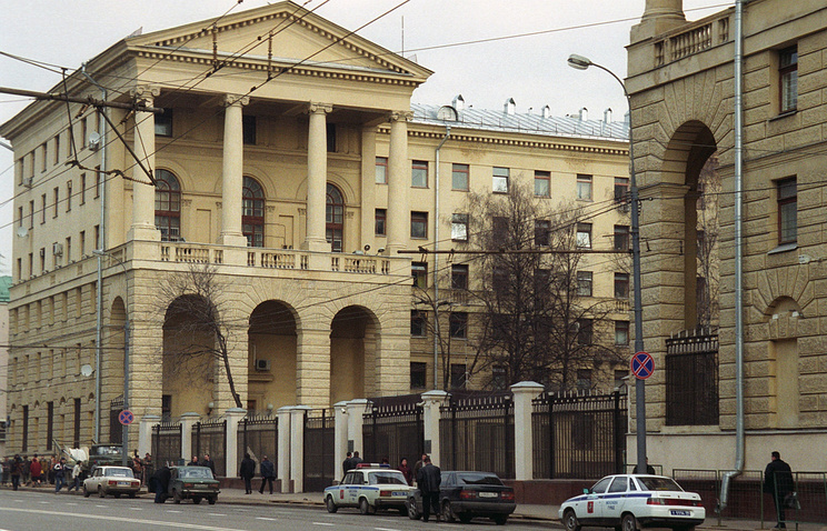 Здание ГУВД на улице Петровка, 38  в Москве