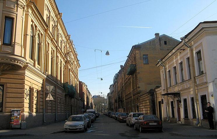 Средняя Подьяческая улица, вид от канала Грибоедова