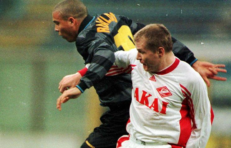 Сергей Горлукович (справа) против бразильца Роналдо (слева), 1998 год