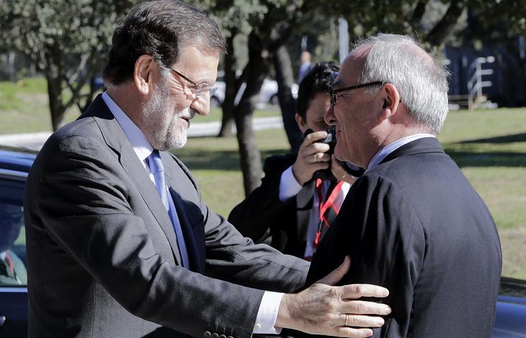 Председатель испанского правительства Мариано Рахой и генеральный директор ЕКА Жан-Жак Дорден (слева направо)